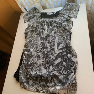 ⭐️ 3 for $20 New York & Co floral short sleeve